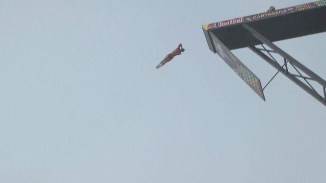 Hunt continues to dominate Red Bull Cliff Diving