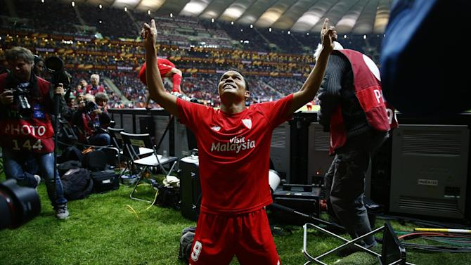 Serie A - AC Milan agree deal to sign Sevilla's Carlos Bacca