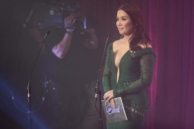 Kris Aquino hosts the 38th MMFF Awards night.