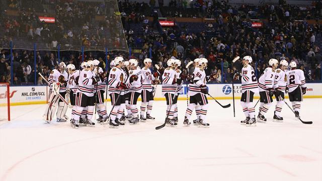 Ice Hockey - Blackhawks keep on rolling with 20th win