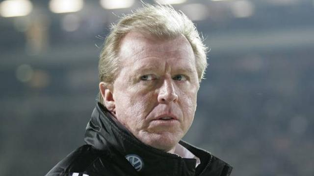 Football - McClaren: Foxes loss a wake-up call