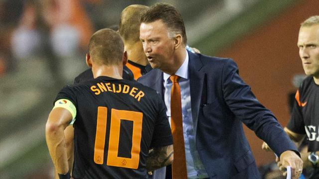 World Cup - Sneijder and Van der Vaart back for Netherlands