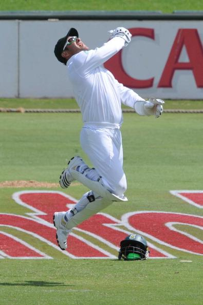 PRETORIA, SOUTH AFRICA - DECEMBER 15:  Mark Boucher of South Africa celebrates the wicket of Thilan Samaraweera of Sri Lanka during day 1 of the 1st Sunfoil Test match between South Africa and Sri Lan