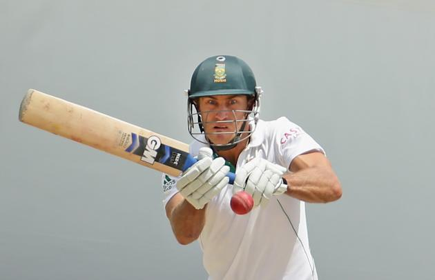 ADELAIDE, AUSTRALIA - NOVEMBER 26:  Faf du Plessis of South Africa bats during day five of the Second Test Match between Australia and South Africa at Adelaide Oval on November 26, 2012 in Adelaide, A