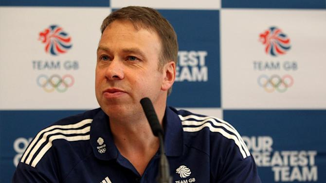 Andy Hunt will not put any pressure on Stuart Pearce over selection