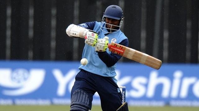 Cricket - Chanderpaul leads Derbyshire to victory