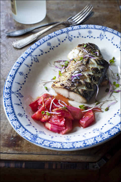 Mackerel with Oven-Baked Rhubarb
