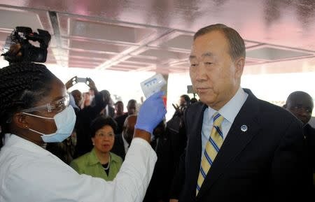 UN chief praises Ebola nurses, pledges support during visit