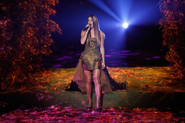 Cassadee Pope Wins Season Three of 'The Voice'