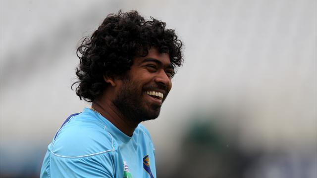 Cricket - Malinga scorches to second-best figures