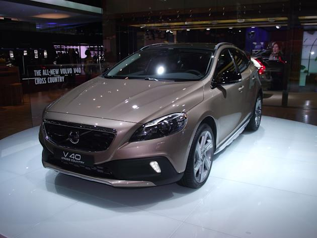 Volvo V40 Cross Country et R Design - Live Salon Paris 2012