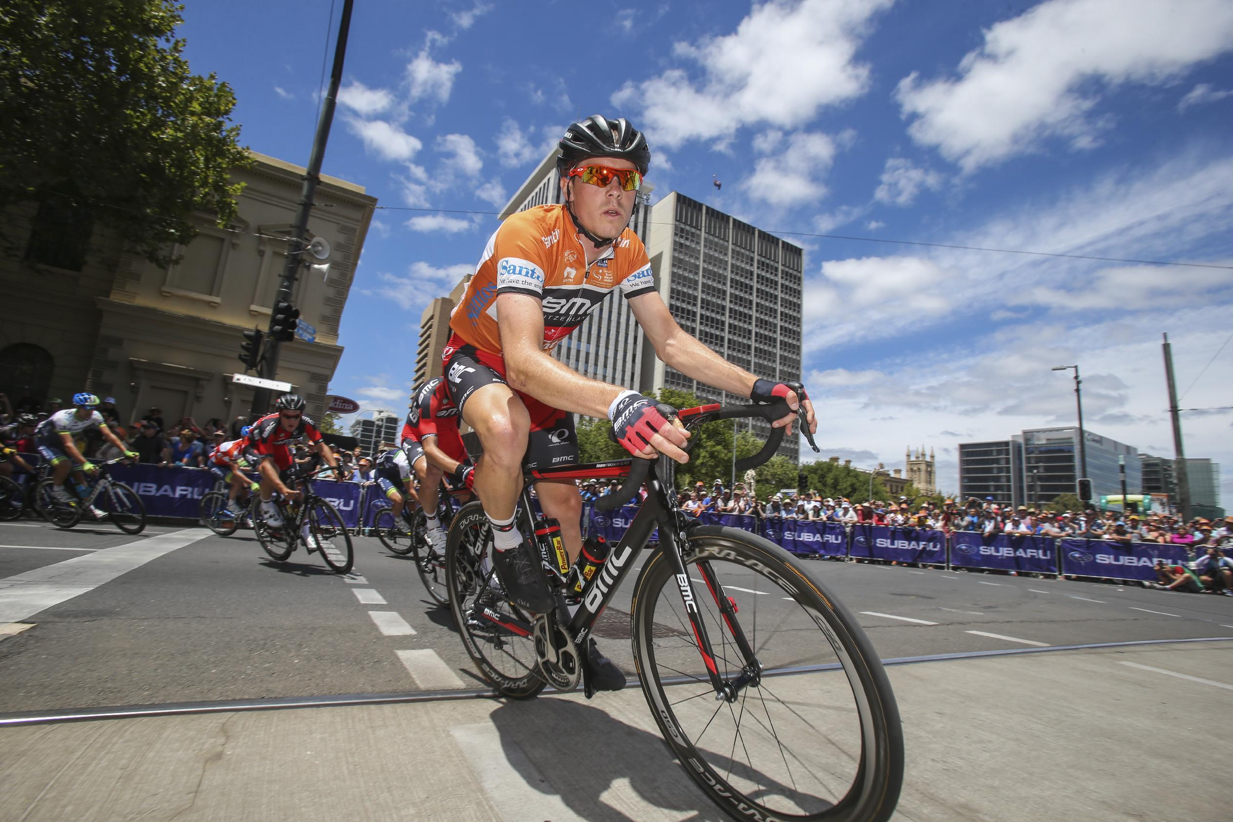 Dennis holds on to win Tour Down Under