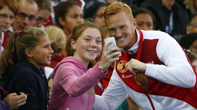 Commonwealth Games - Rutherford delights in another home Games gold