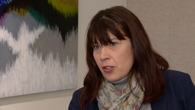 Apartment 'viewing fees' shock Calgary woman looking to rent