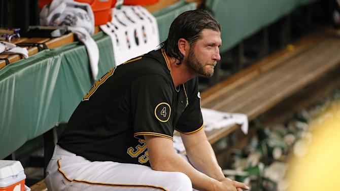 Pirates take Grilli out of closer role
