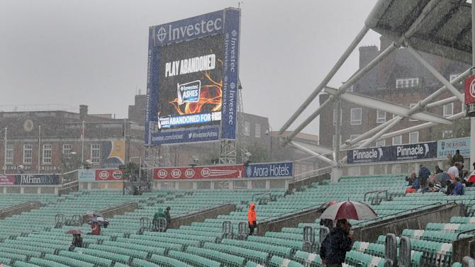 Cricket - Fifth Investec Ashes Test - Day Four - England v Australia - The Kia Oval