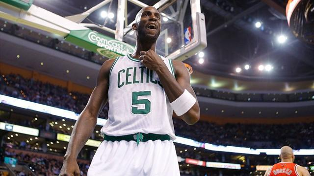 Basketball - Celtics grind out ugly victory over slumping Bulls