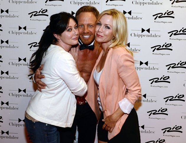 Reunion! Garth and Doherty, who are now pals, went to Ziering's Chippendales show in Vegas last year. (Getty Images)