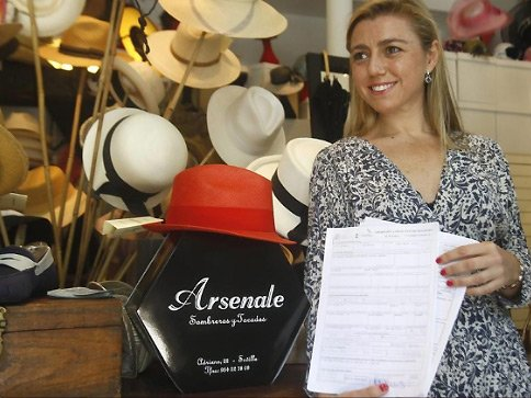 The 'Arsenale' hat shop in Seville fell foul of the Gunners, depsite being named after an area of medieval Venice