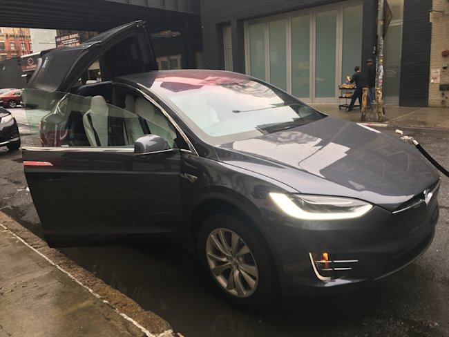 Tesla Motors loss widens on Model X woes