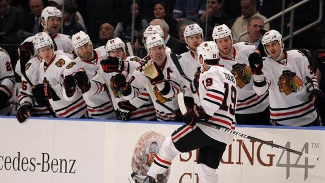 Ice Hockey - Toews on target and Blackhawks back on track