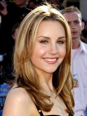 Amanda Bynes at the Westwood premiere of 20th Century Fox's Robots