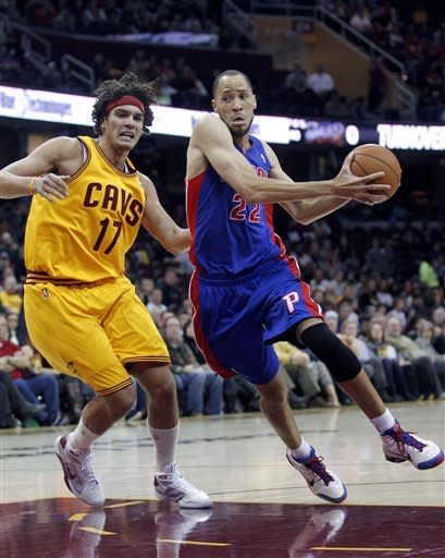 Knight scores 30; Pistons beat Cavs 104-97