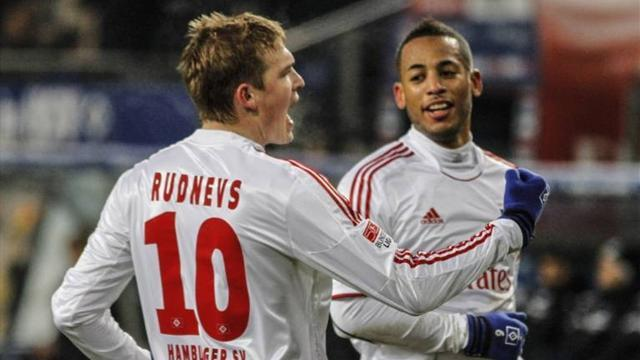 German Bundesliga  - Rudnevs fires Hamburg into sixth amid protests