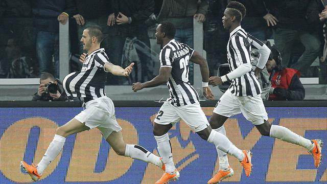Serie A - Juventus go eight clear after pounding Roma