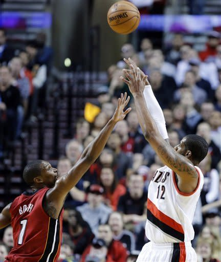 Blazers come from behind to beat Heat 92-90