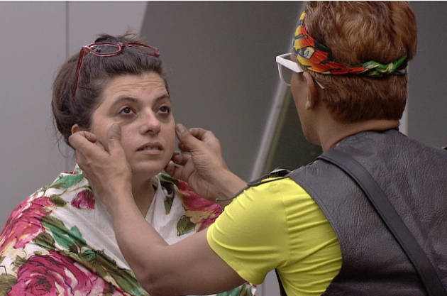 Bigg Boss 6: Imam gives Delnaaz a makeover