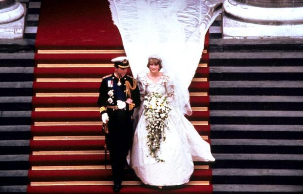 Princess-Diana-Wedding-02-100311.jpg-39-360
