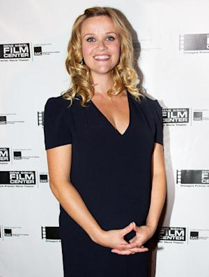"""Reese Witherspoon Breaks Silence on Pregnancy: I Feel """"Very Round"""""""