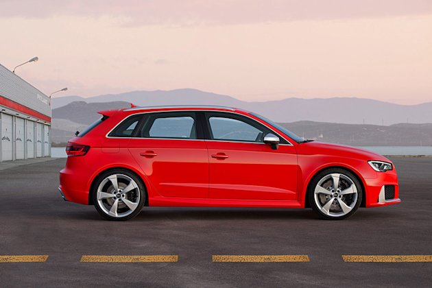 rs3 audi sportback photo sideview