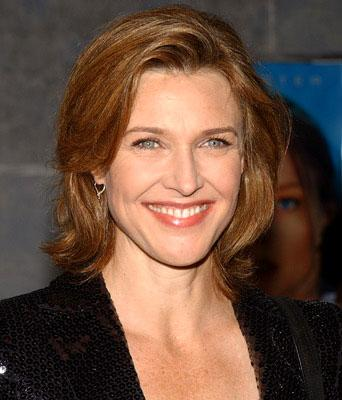 Premiere: Brenda Strong at the LA premiere of Touchstone's Flightplan - 9/19/2005