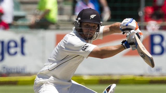 Cricket - New Zealand show fight against South Africa