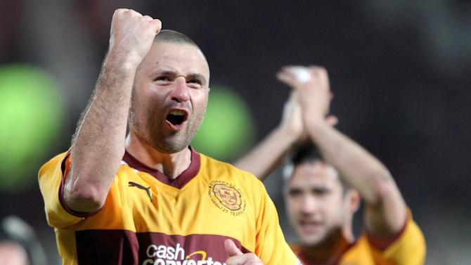 Michael Higdon's late double saw Motherwell come from behind to beat Dundee