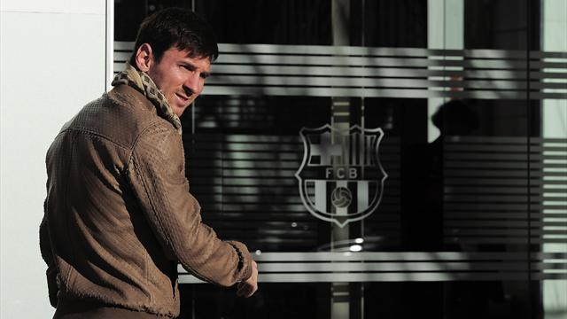 Spanish Liga - Messi signs Barca deal 'worth €16m a year after tax'