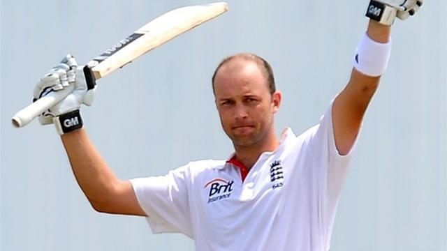 Cricket - Trott bats England towards series win in India