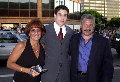 Jason Biggs with parents Angela and Gary at the Westwood premiere of Universal's American Pie 2