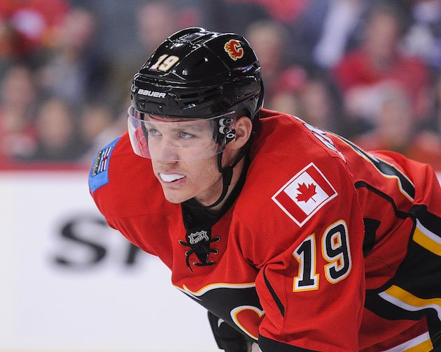 CALGARY, AB - NOVEMBER 30: Matthew Tkachuk #19 of the Calgary Flames in action against the Toronto Maple Leafs during an NHL game at Scotiabank Saddledome on November 30, 2016 in Calgary, Alberta, Canada. (Photo by Derek Leung/Getty Images)