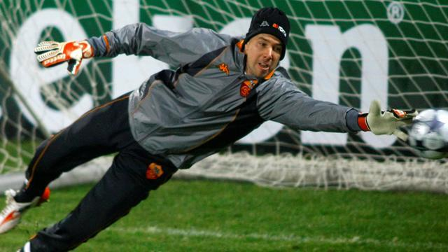Serie A - Ex-Roma 'keeper Doni retires
