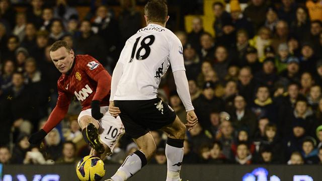 Premier League - Rooney steers United past Fulham