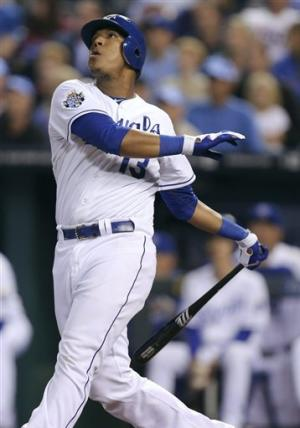 Royals rally for 2 HRs against Frieri in 9th