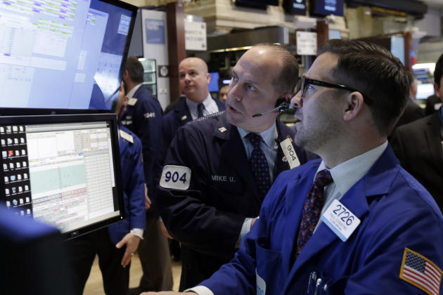US stocks edge higher; Pharmacyclics jumps on AbbVie bid