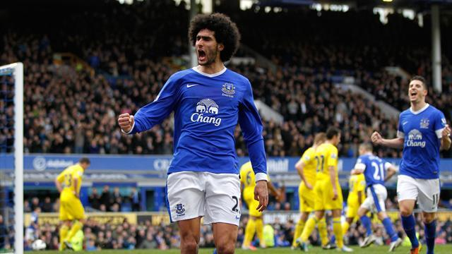 Premier League - Everton ease to win over Reading