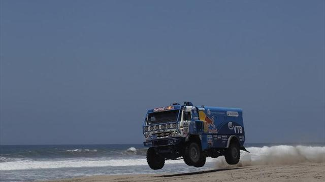 Dakar - Trucks: Ex-mechanic Nikolaev wins maiden Dakar title