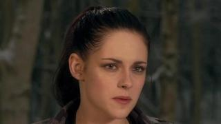 Snow White And The Huntsman: Battle Charge On The Beach (Featurette)