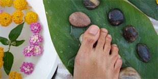 Why a Foot Massage is better than Comfort Foods