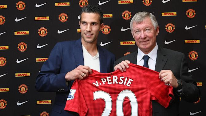 Robin van Persie, left, has warranted Arsenal fans' respect, according to Sir Alex Ferguson